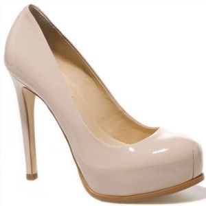 Kelsi Dagger Linzy Patent Leather Pumps in Nude